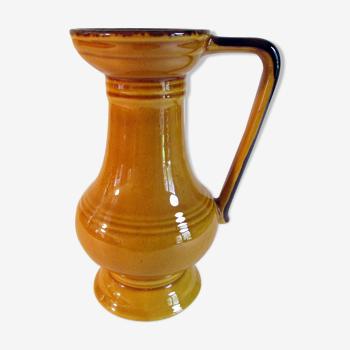 Vase à anse en céramique