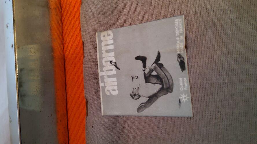 """Fauteuil chauffeuse """"samouraï"""" de Joseph André Motte, Airborne éditeur"""