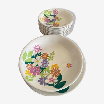 Service 10 assiettes décor fleurs et 2 plats