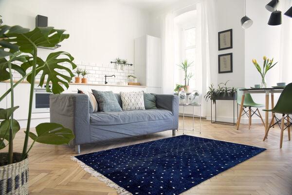 Tapis marocain moderne bleu foncé