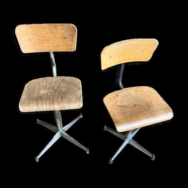Paire de chaises d'atelier