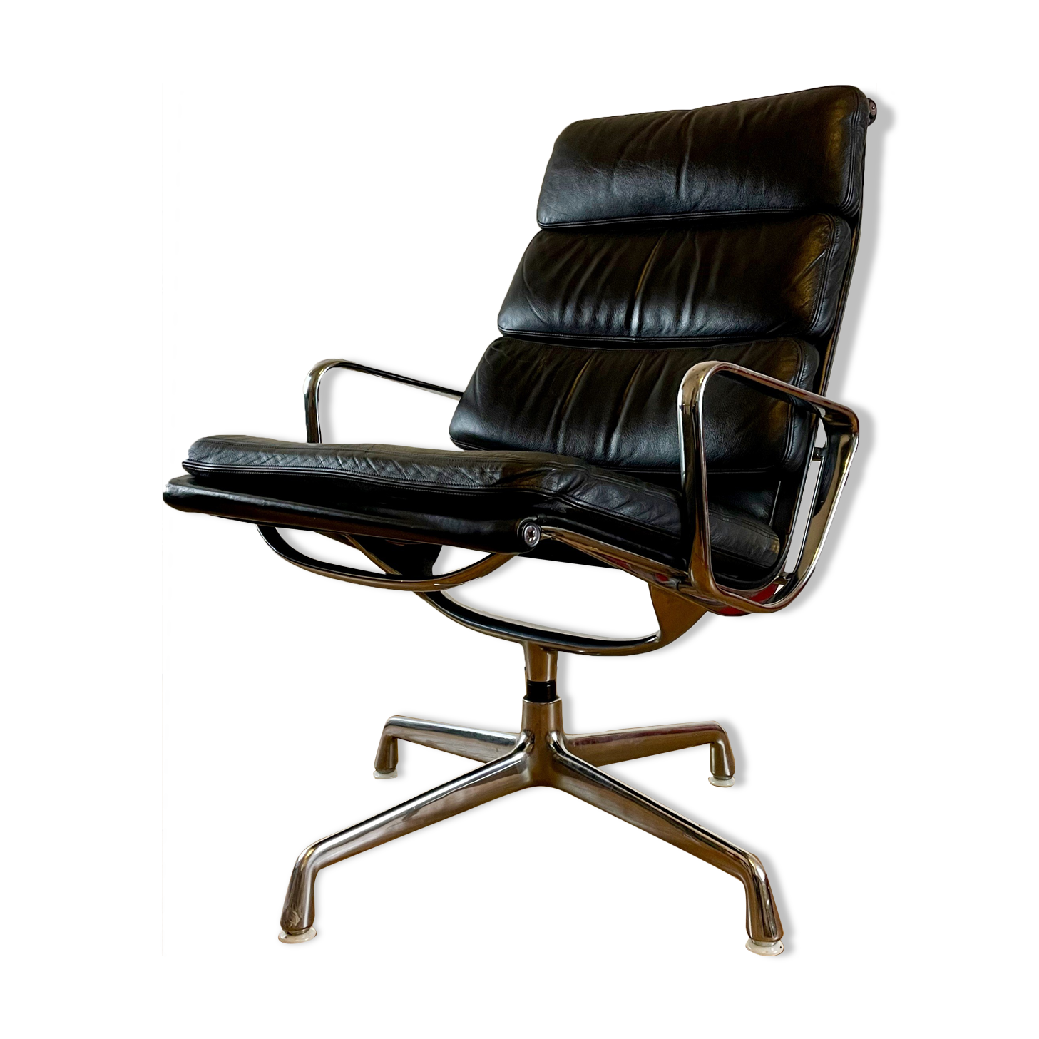Fauteuil Soft Pad Lounge Chair EA 216 Charles et Ray Eames pour Herman Miller, circa 1970