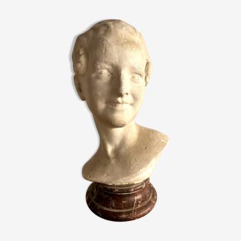 Buste en plâtre sur pied en marbre