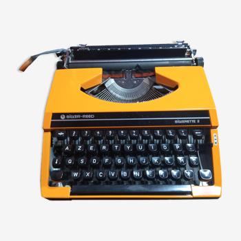 Machine à écrire Silver Reed Silverette II orange