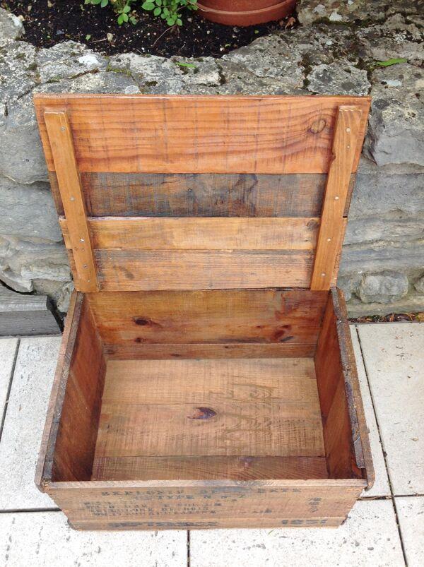 Ancienne caisse en bois Explosif style industriel 1950
