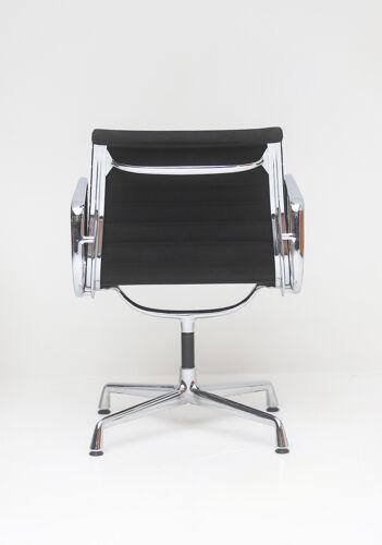 Lot de 4 fauteuils EA108 de Charles et Ray Eames