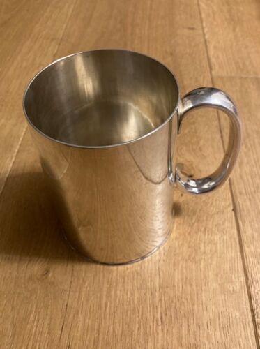 Mug en métal argenté Sheffield Travis Wilson