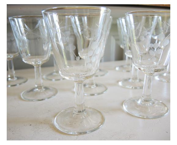 Service de 33 verres à pied & carafe
