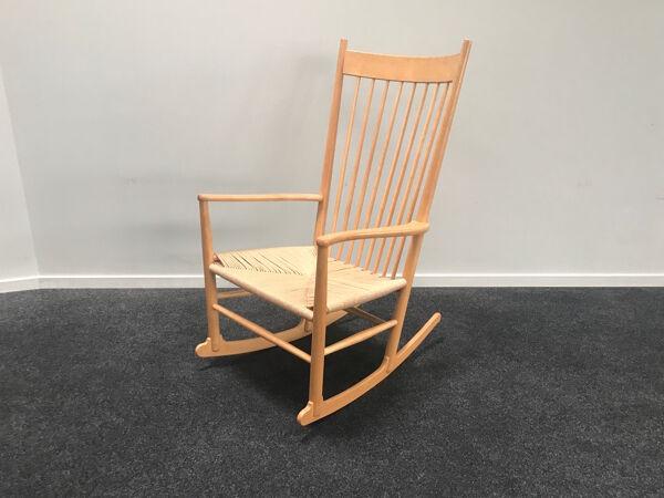 J16 chaise berçante par Hans J. Wegner pour Fredicia, années 1970