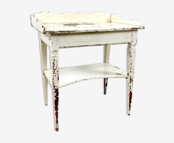 Table d'appoint peinte en blanc