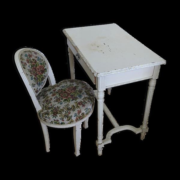 Table et sa chaise