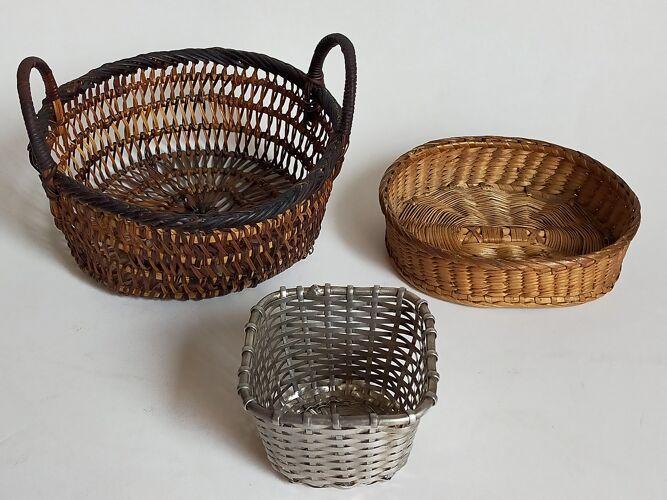 Set de trois corbeilles anciennes miniatures