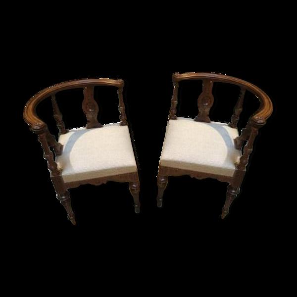 Paire de fauteuils de coin de style Louis XVI début 20ème