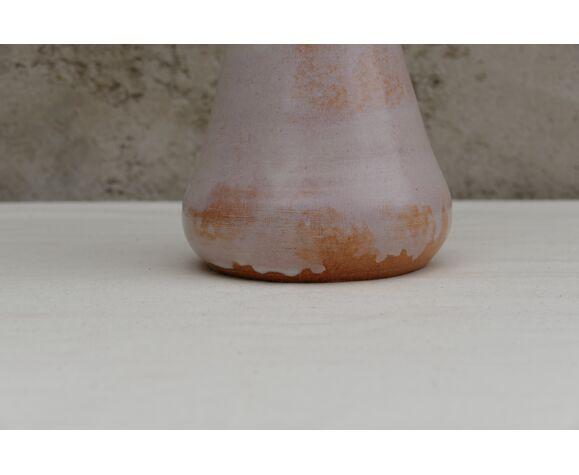Vase en terre cuite peint blanc