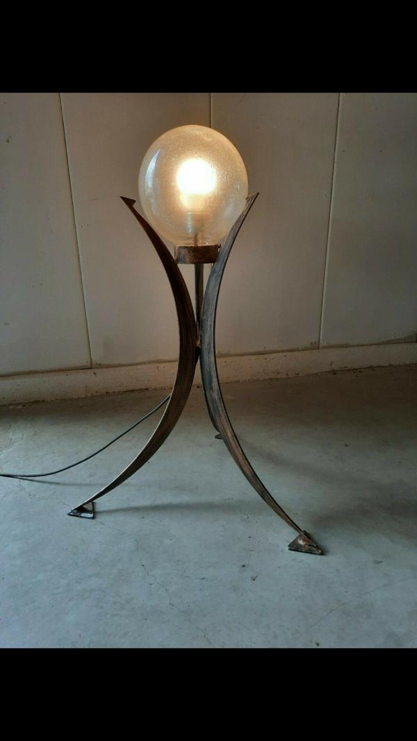 Lampe de plancher brutaliste de trépied, Allemagne des années 70