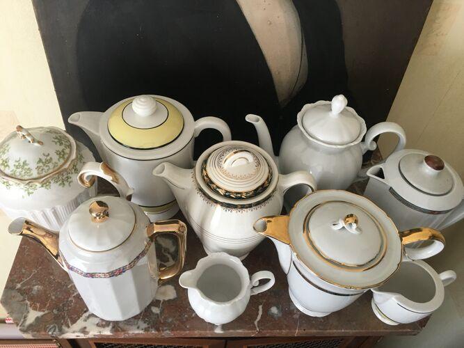 Lot de cafetières et théières anciennes