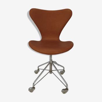 Chaise 3117 d'Arne Jacobsen par Fritz Hansen, années 1960
