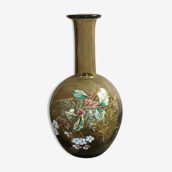 Carafon ancien en verre motif floral en émail