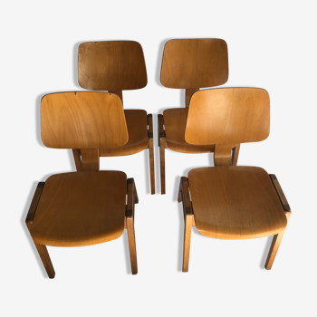 Suite de 4 chaises de salle à manger en hêtre