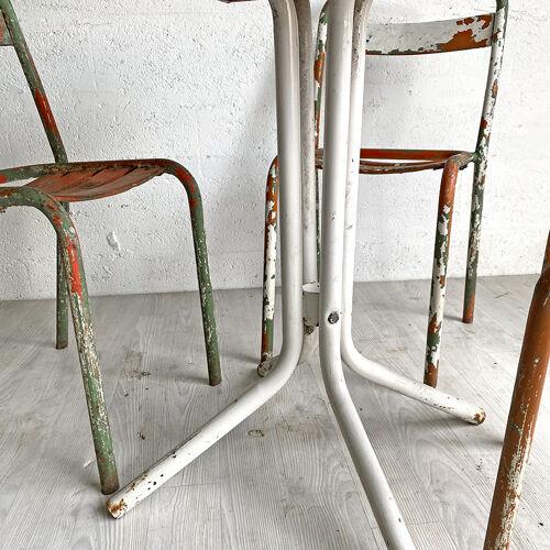 Ensemble Tolix T1 3 chaises et une table