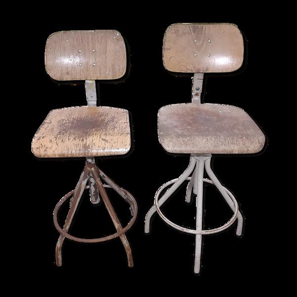 Paire de sièges industriels fer et bois