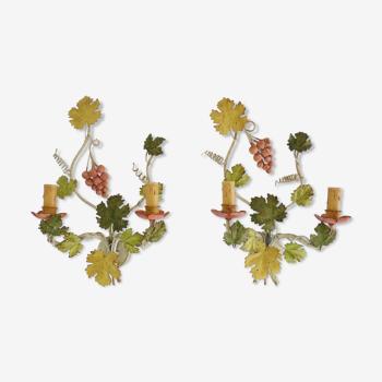 """Paire d'appliques vintage """" Flor Art """" en métal peint à décor de grappe de raisins. Année 70 80"""