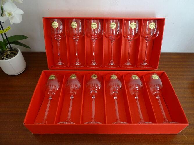 12 verres à vin cristal d'Arques modèle Briançon 12 cl en boites