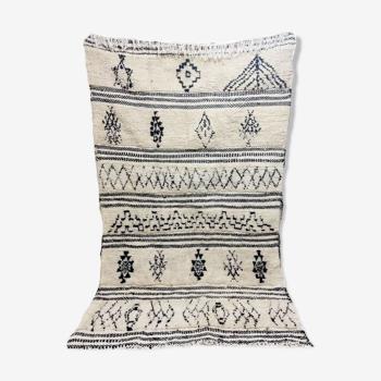 Tapis berbère marocain noir et blanc 222 x 147cm