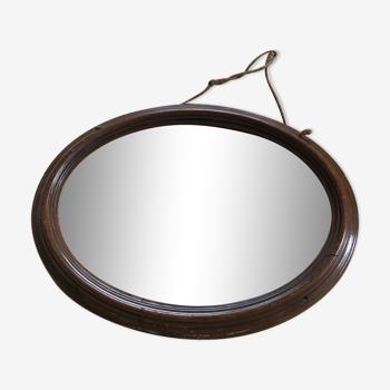 Miroir ancien oval avec cadre en bois