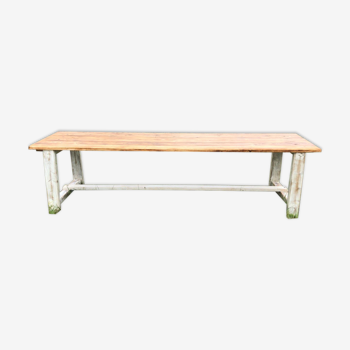 Table en pin massif