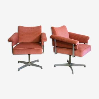 Paire de fauteuils pivotants années 60/70