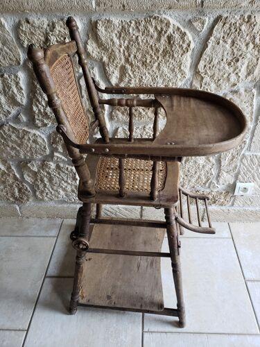 Chaise haute cannée transformable en bois