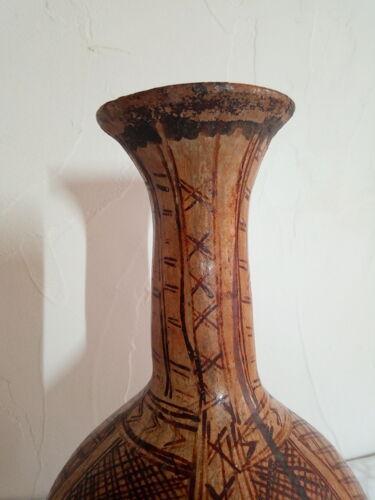 Ancien vase ethnique