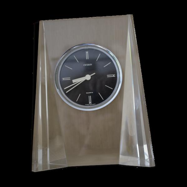 Horloge de table plexiglass et métal
