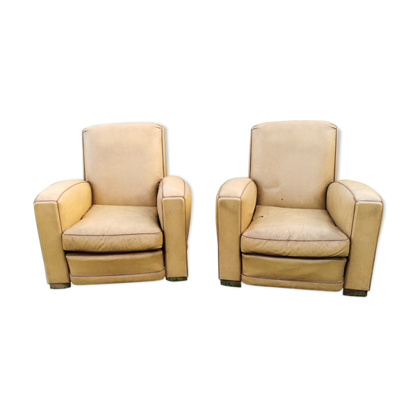 Paire de fauteuils club des années 30/40 en skaï simili cuir, art déco