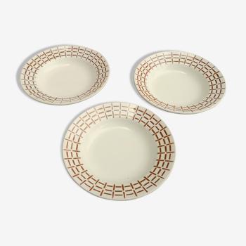 Ensemble de 3 assiettes à soupe signées St Amand décor géométrique marron