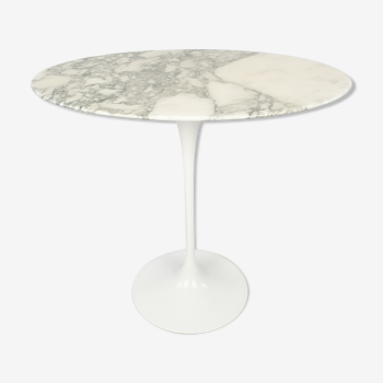 Table d'appoint ovale en marbre d'Eero Saarinen pour Knoll