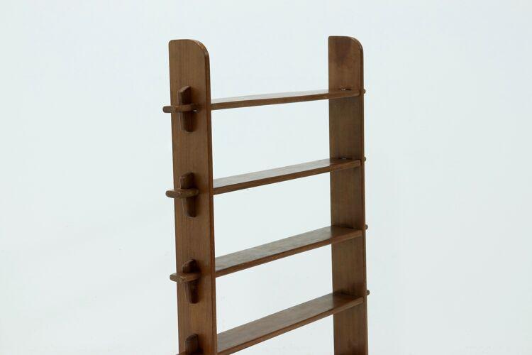 Étagère sur pied en bois constructiviste des années 1960