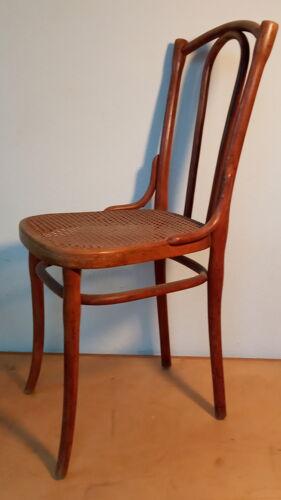 Chaise de bistrot Thonet cannée