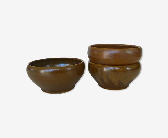 Trois bols en grès doré Digoin