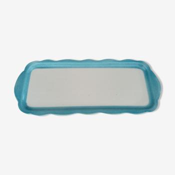 Plat à cake ancien en faïence blanche et bleu clair, estampillé FPG