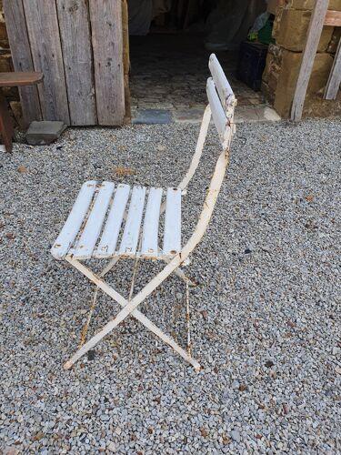 Chaise pliante de jardin à lattes de bois et pieds fer