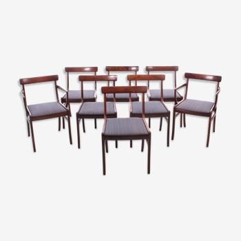 Suite de 6 chaises et 2 fauteuils scandinaves modèle Rungstelund en palissandre de Rio