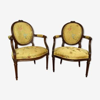 Paire de fauteuils en brocart de soie XVIIIe siècle
