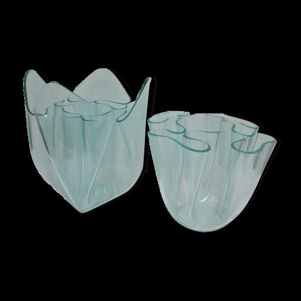 Deux vases mouchoirs Guzzini plexiglas lucite design années 70