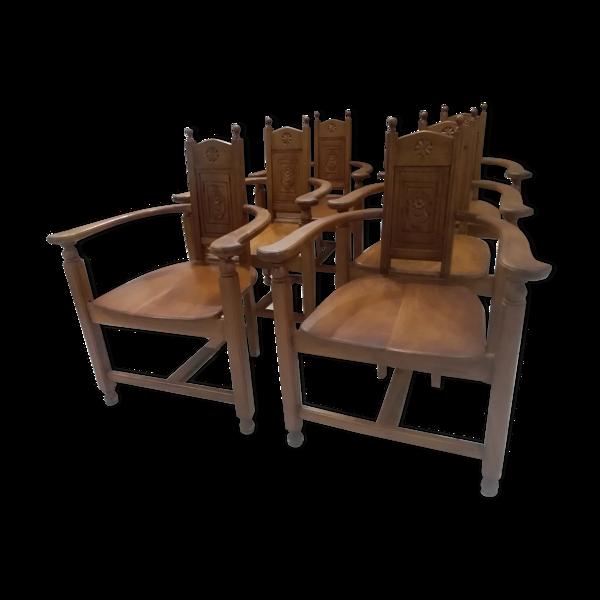 Suite de 6 fauteuils en noyer début XXeme