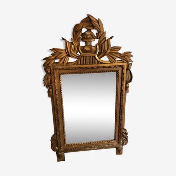 Miroir à fronton en bois doré