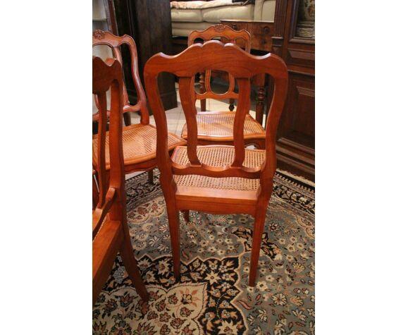 Suite de 6 chaises merisier massif décor coquille assises cannées style Louis XV