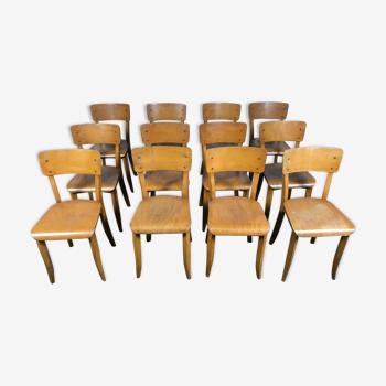 Suite de 12 chaises bistrot année 1950