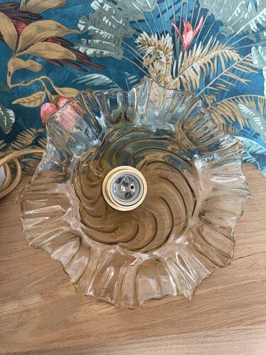 Baladeuse en verre ciselé